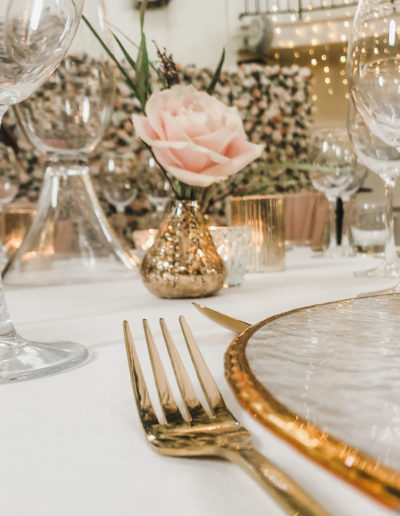 Charger-Plate-Gold-Cutlery-Ambience-Venue-Styling-Buckinghamshire